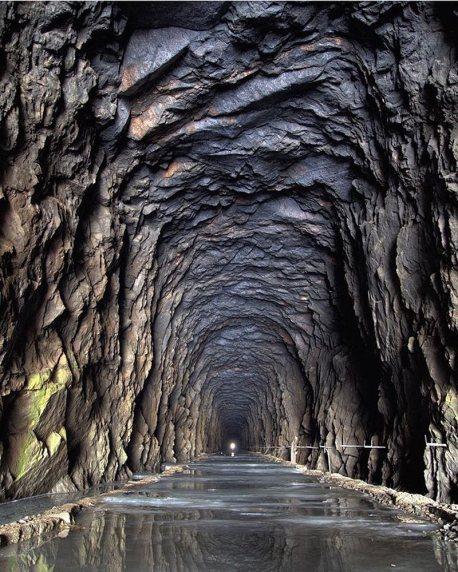 Tunnel ferroviario abbandonato in Finlandia