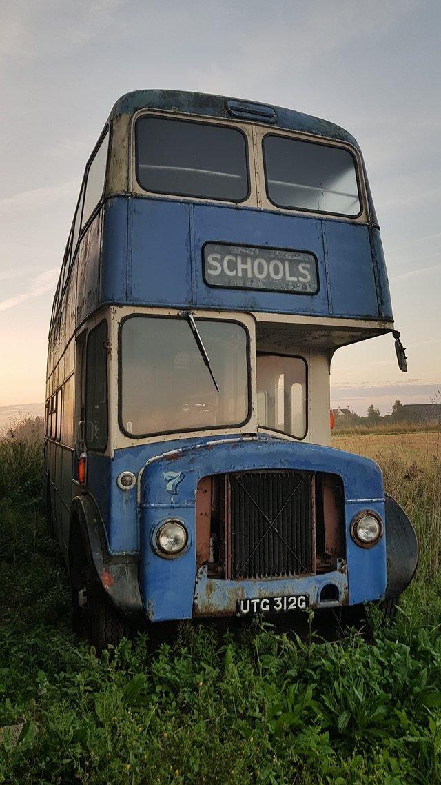 Vecchio scuolabus