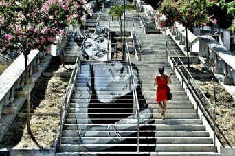 """David Diavù Vecchiato, """"Il Giovedì - Michèle Mercier"""". Dipinto su scalinata, via Ronciglione Roma - 2015 (foto di Oscar Giampaoli)"""