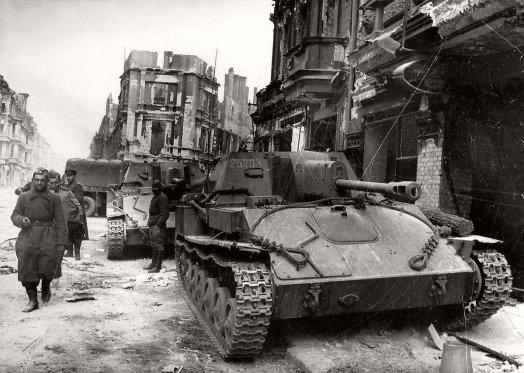Foto storica della Battaglia di Berlino (1945)