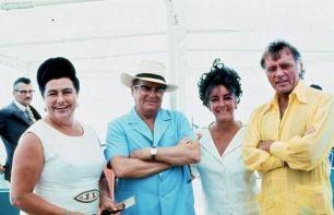 Il leader jugoslavo Josip Broz Tito e sua moglie Jovanka con Richard Burton ed Elizabeth Taylor, 1971