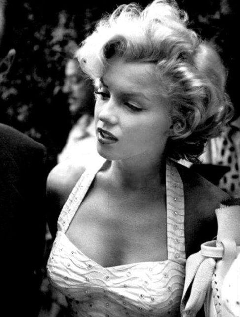 Marilyn Monroe al Grauman's Chinese Theatre, 1953