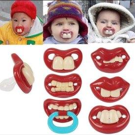 Ciuccio coi denti