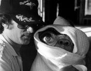 Dietro le quinte di E.T. Il regista Steven Spielberg & E.T.