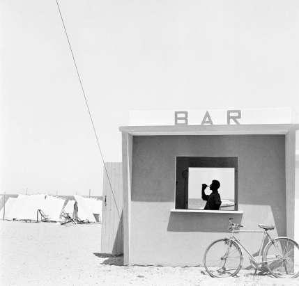 Piergiorgio Branzi - Beach bar a Senigallia, Italia, 1957