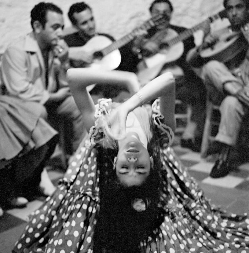 Piergiorgio Branzi - Gypsy dance a Sacromonte, in Spagna, nel 1956