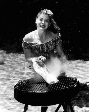 Pin-up sott'acqua di Bruce Mozert, pioniere della fotografia acquatica, 1938