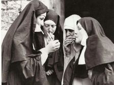 Suore in pausa sigaretta, 1931