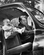 Un seggiolino per bambini, anni 40