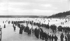 Curling su un lago a Dartmouth, Nova Scotia, Canada, 1897
