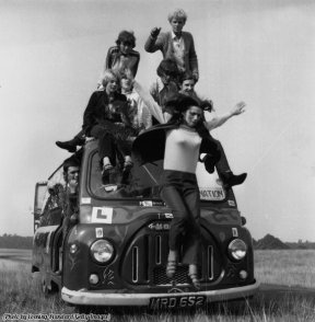 Hippies sul loro autobus, 1967