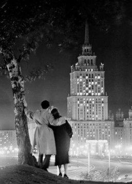 """Inaugurazione dell'hotel """"Ucraina"""" a Mosca, 1957"""