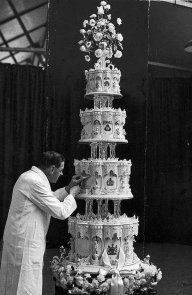 La torta nuziale della regina Elisabetta, 1947