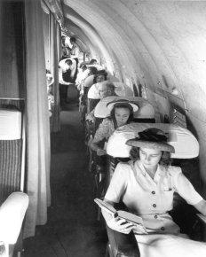 Passeggeri su un Pan Am Boeing 307, 1945