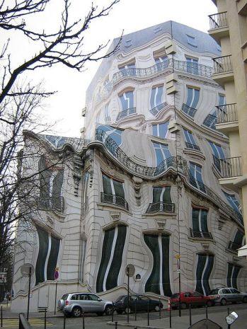 Edificio insolito a Parigi