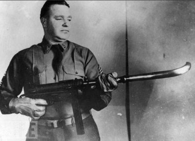 M3 fucile mitragliatore con un barilotto curvo, per sparare agli angoli. 1953