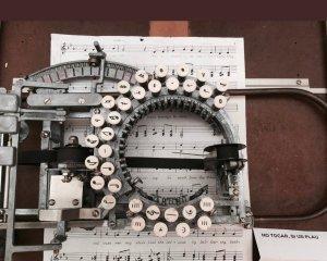 Macchina da scrivere musicale, 1936
