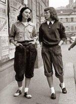Ragazze londinesi che indossano pantaloni, fine anni '50