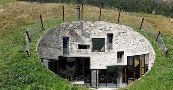 Residence Villa Vals, una casa incastonata nella montagna