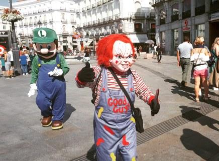 Madrid day-by-day - Puerta del sol - È inutile che mi rincorri col coltellazzo insanguinato Chucky, non me lo faccio il selfie con te!