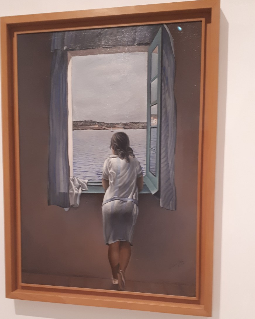 Museo Reina Sofia - Collezione permanente - Girl at the window (1925) di Salvador Dalì