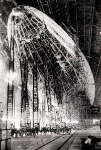 Costruzione dello Zeppelin, 1935. Fotografia di David Keyes
