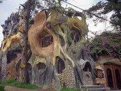 Crazy House a Da Lat, in Vietnam, progettata da Dang Viet Nga