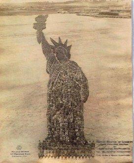 La Statua della libertà umana. 18000 uomini sono stati usati per questa foto! Iowa, 1918