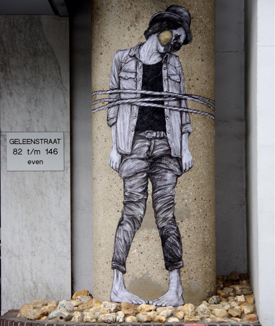 """""""Mort de rire"""" by Levalet @Heerlen, Netherlands"""