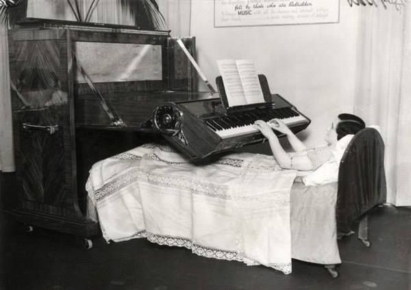 Pianoforte per il letto, 1935