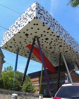 Sharp Center for Design a Toronto, in Canada, progettato da Will Alsop