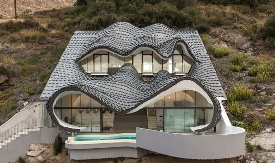 The House of the Cliff by GilBartolome Architects