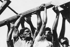 Museum number PHY.07730. T. S. Satyan, Workers in India, 1960, H. 25.5 cm, W. 37.4 cm, Silver gelatin print