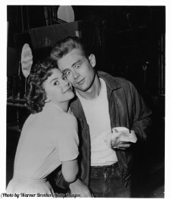 Natalie Wood e James Dean in 'Rebel Without A Cause', 1955