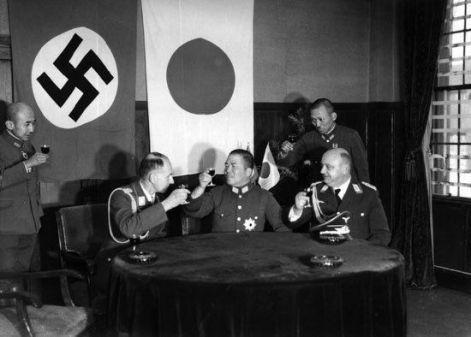 1936, la Germania nazista e il Giappone imperiale firmarono il cosiddetto Patto anti-Comintern diretto all'Unione Sovietica