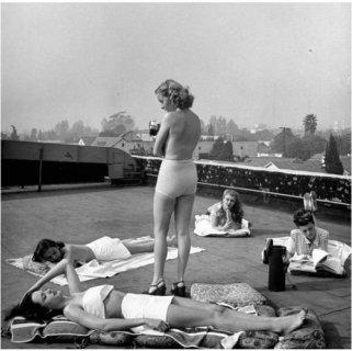 Bagni di sole sui tetti, anni '60