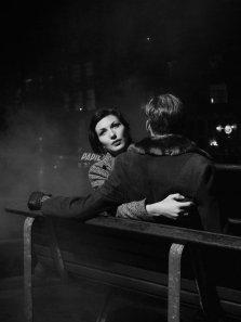 Coppia, Parigi, anni '50. Foto di Brassaï