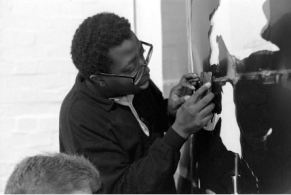 Donald Rodney, at Chisenhale Gallery Workshop, 1989 - © Edward Woodman. All rights reserved, DACS-Artimage 2018. Photo Edward Woodman