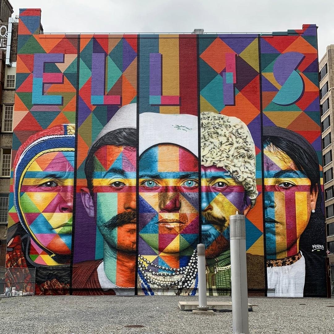 Foto Murales New York.Streetart Flash Eduardo Kobra New York Usa Barbara