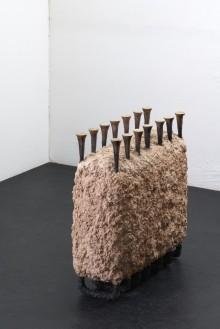Emancipata, bronzo e creta refrattaria, 99x103x45cm, 2016 by Aron Demetz @ MANN, Napoli