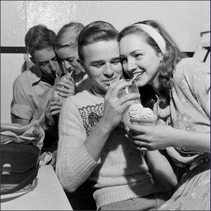 Il social network degli anni '50 - il negozio di soda