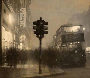 Oxford street nella nebbia. Londra 1935
