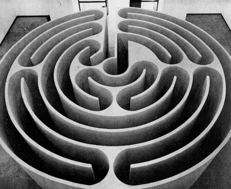 Philadelphia Labyrinth, 1974 - Robert Morris