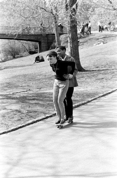Skateboarding in Central Park, New York City, anni '60