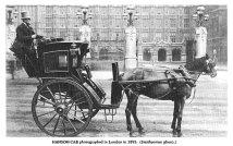 Dicembre 1834. Joseph Hansen brevetta il taxi trainato da cavalli, noto come carrozza