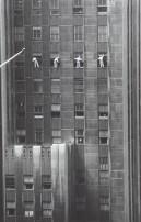 USA. New York City. 1958. Forty-eighth Street window washers.