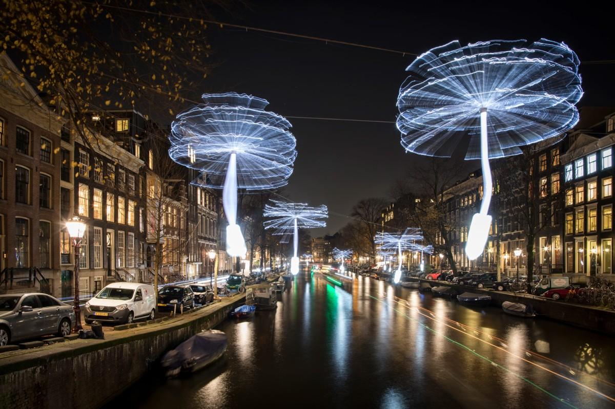 "OGE Group, ""Light a Wish,"" Amsterdam Light Festival 2018, all images © Janus van den Eijnden"