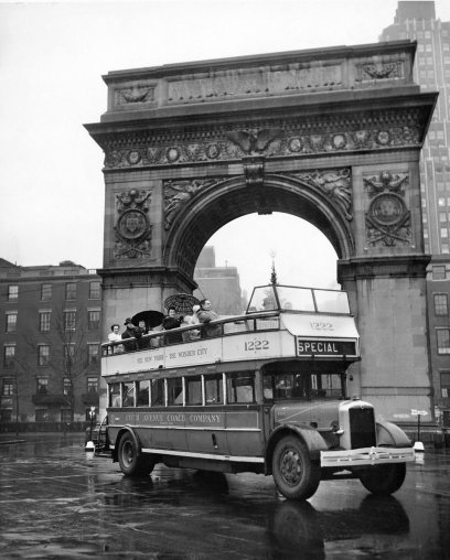 Tour Bus a Washington Square Park, 1946