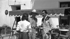 Marcel Duchamp con Gala e Salvador Dali, 1958