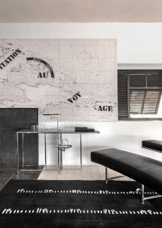 E-1027 - Il tavolo Rivoli e il divano Monte Carlo, prodotti da Classicon